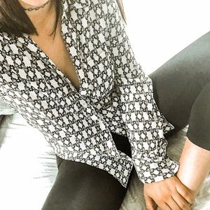 THE LIMITED • black white demask button down top